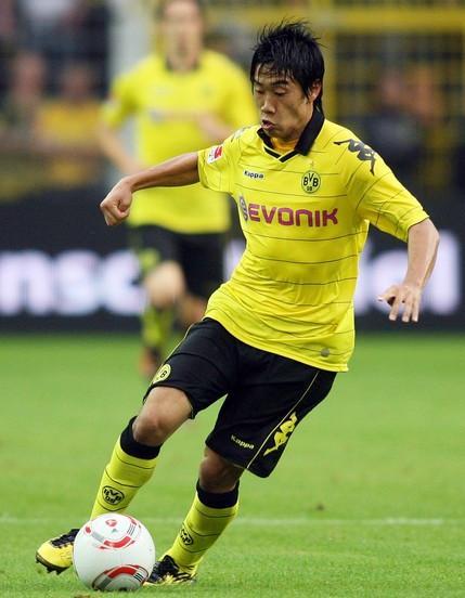 Borussia Dortmund-10-11-KAPPA-home-kit-yellow-black-yellow.JPG