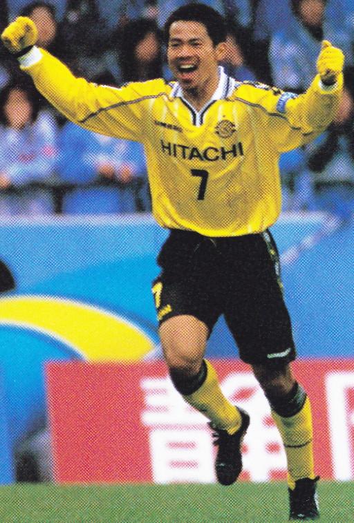 Kashiwa-Reysol-00-home-kit-yellow-black-yellow.jpg